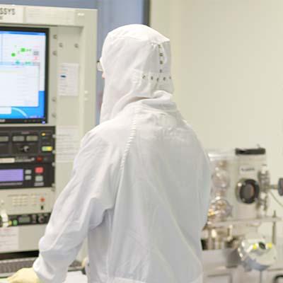 Moniteur d'affichage dynamique durci embarqué dans une machine industrielle