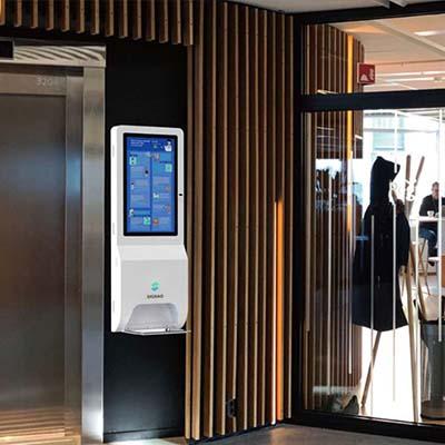 Borne tactile d'affichage dynamique sanitaire ascenseur couloir entreprise
