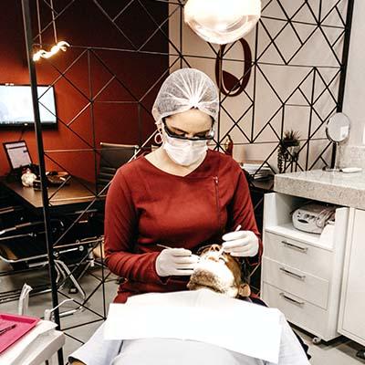 Écran d'affichage dynamique dans le cabinet d'un dentiste