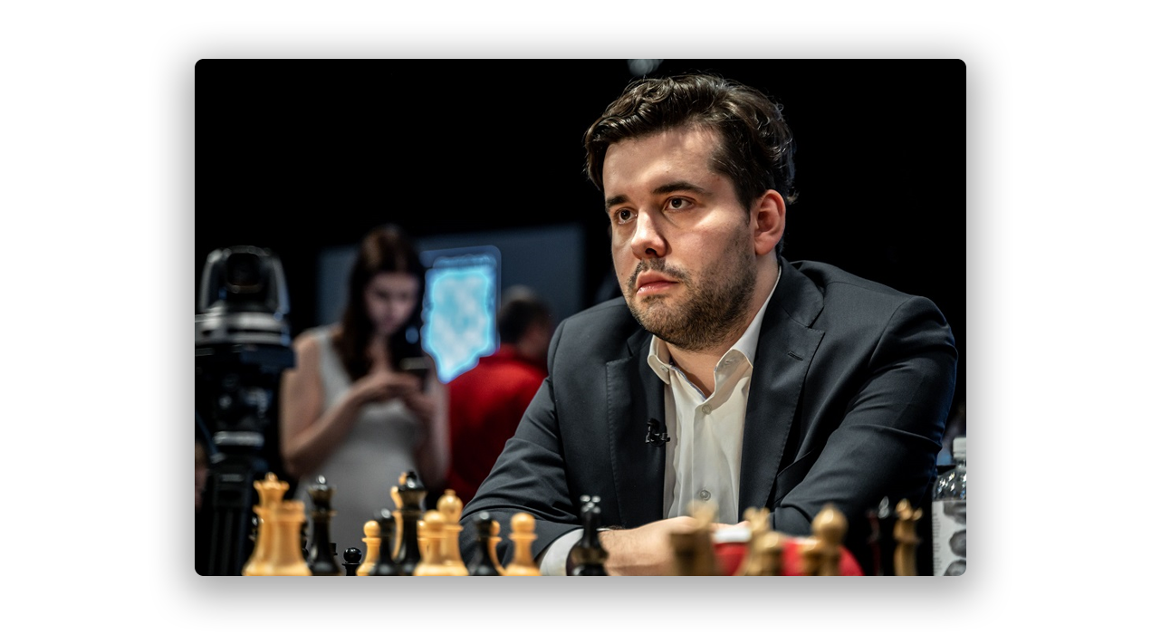 Ian Nepomniachtchi playing chess
