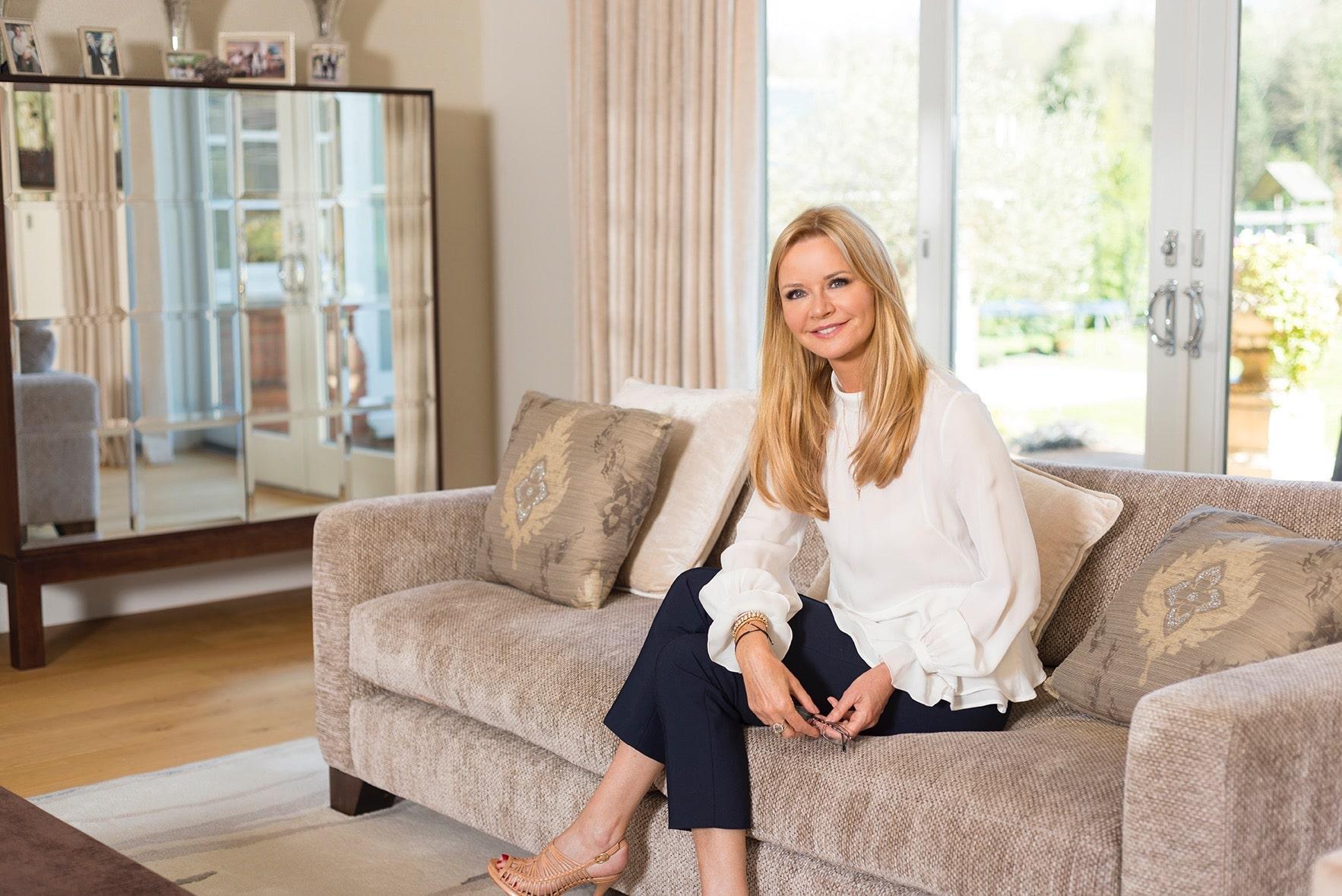 Elizabeth Hammond at home