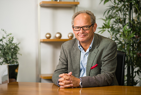 Dr Michael Broughton