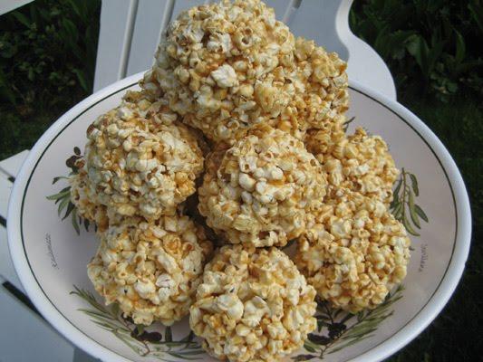 23-Delicious-Delightful-Recipes-Caramel_Popcorn_Balls-2