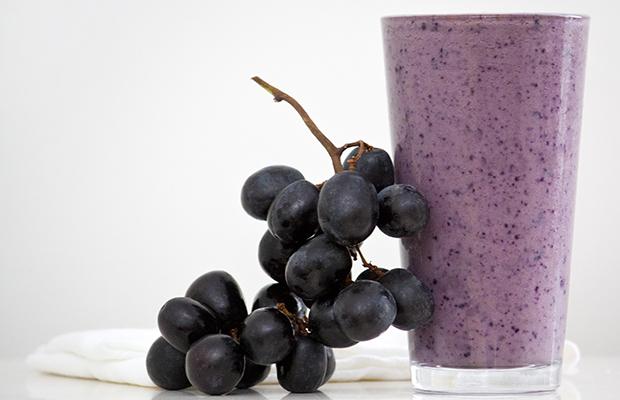 12-Kid-Friendly-Smoothies-grape-smoothie_