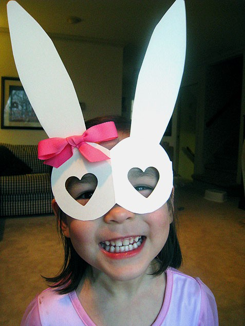 10-Easy-Easter-Crafts-heart-mask-01
