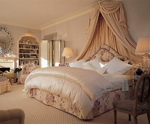 25-Bedrooms-wish-Mariah-Carey-bedroom