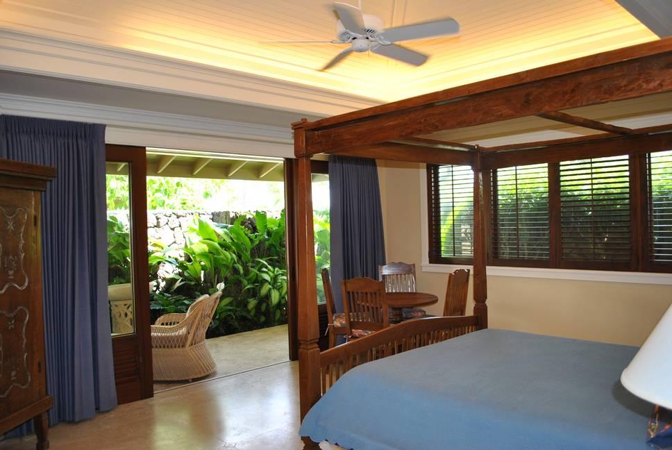 25-Bedrooms-wish-white-house2