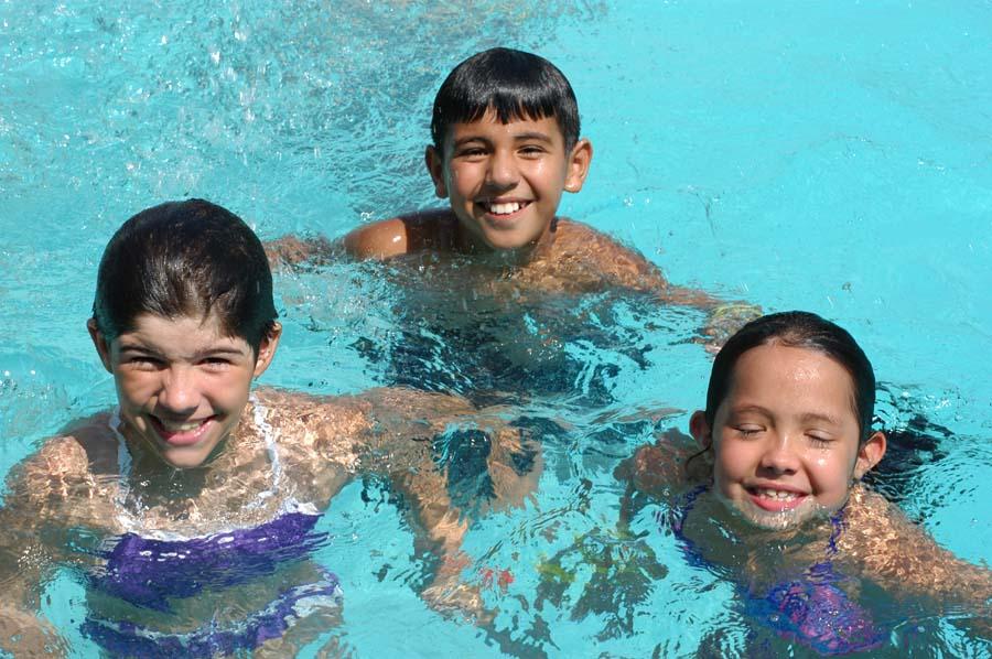 21-Kid- friendly-Swimming