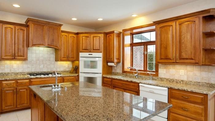 20-Tips-for-Spring-Cleaning-clean--kitchen-cabinets