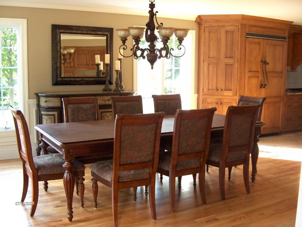 20-Tips-for-Spring-Cleaning-dining_room_
