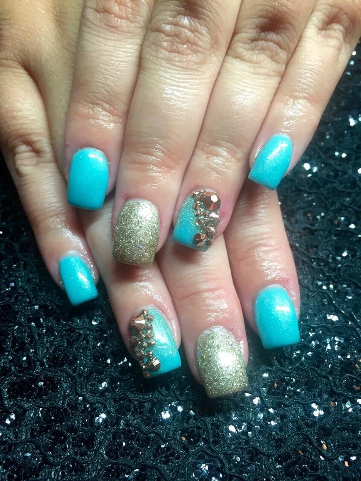 19-Nail-Designs-blue-gold