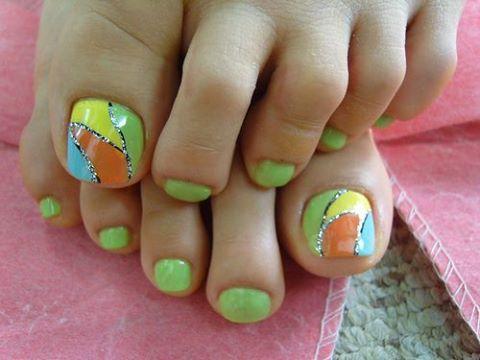 19-Nail-Designs-green
