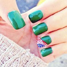 19-Nail-Designs-green-flagn