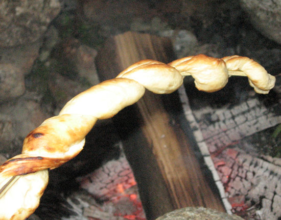 10-things-campfire-cow-horn-biscuits