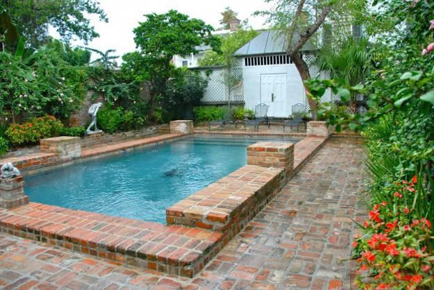 10-ways-refresh-your-backyard-brick--swimming-pools-4