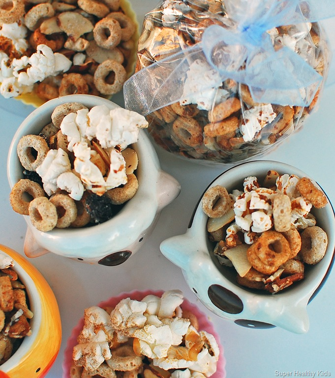 13-Healthy-Snacks-for-kids-snack-mix
