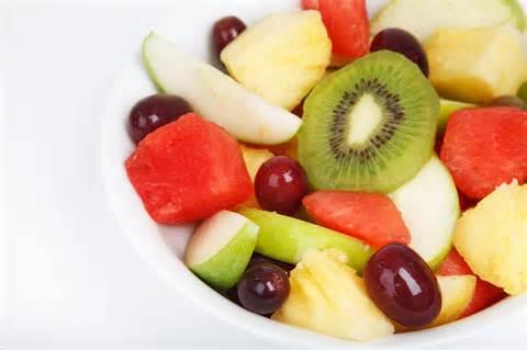 13-Healthy-Snacks-for-kids-fruit-salad