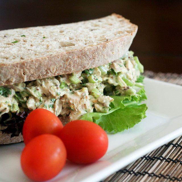 13-Healthy-Snacks-Work-tuna-fish