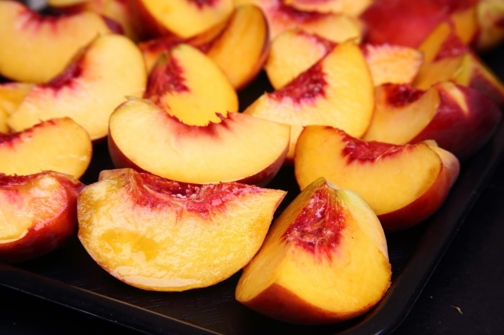 13-Healthy-Snacks-Work-peaches1