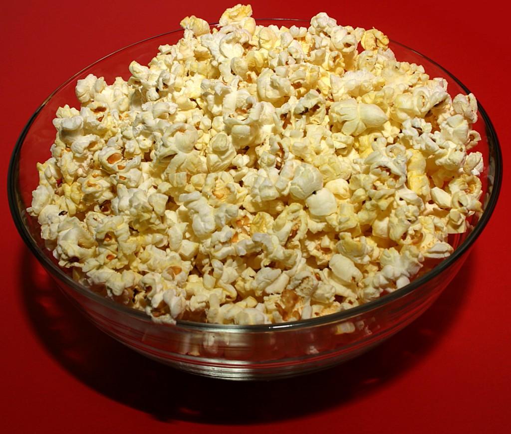 13-Healthy-Snacks-Work-popcorn