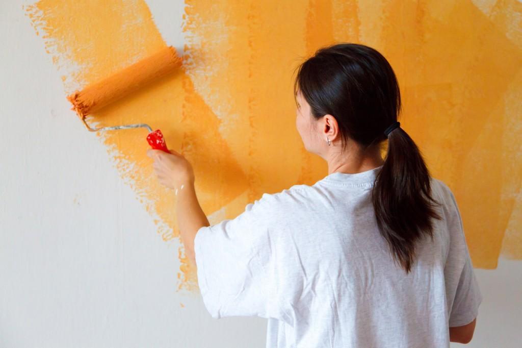 10-Frugal-Ways-bedroom-painting-wall-