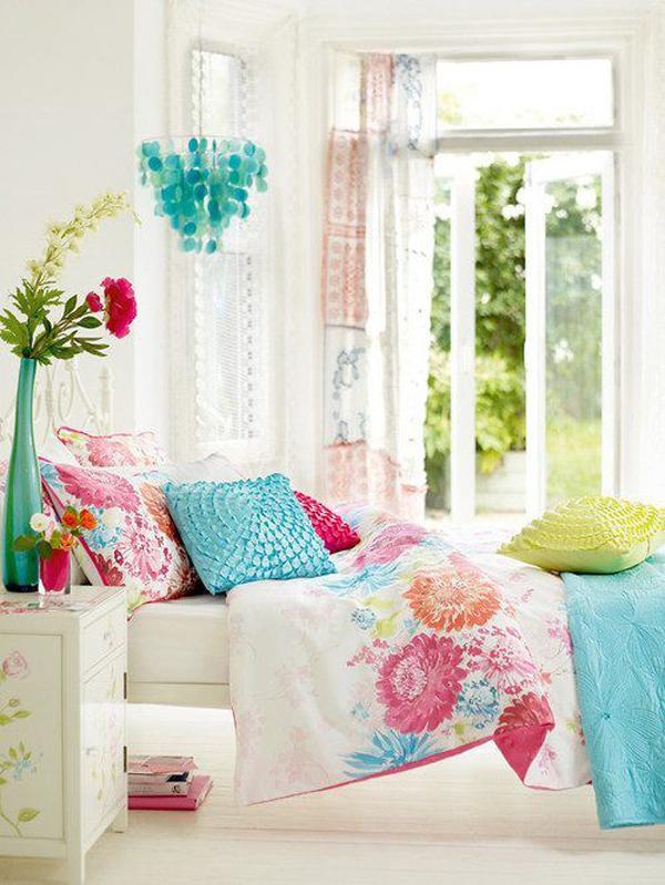 10-Frugal-Ways-bedroom--flowers