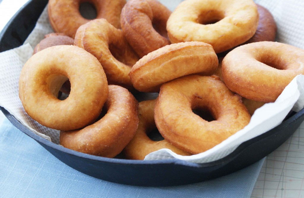 11-Easy-Donut-Recipes-home-Yeast-Doughnuts-