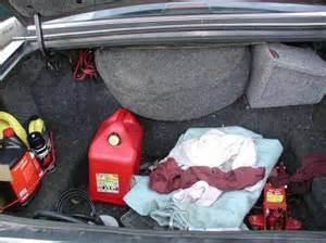 10-Ways-to-Organize-Car-trunk
