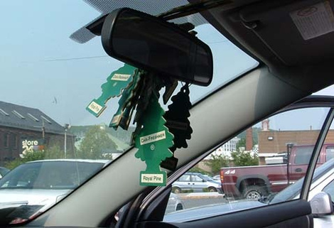 10-Ways-to-Organize-Car-Air-Freshener-for-Your-Car