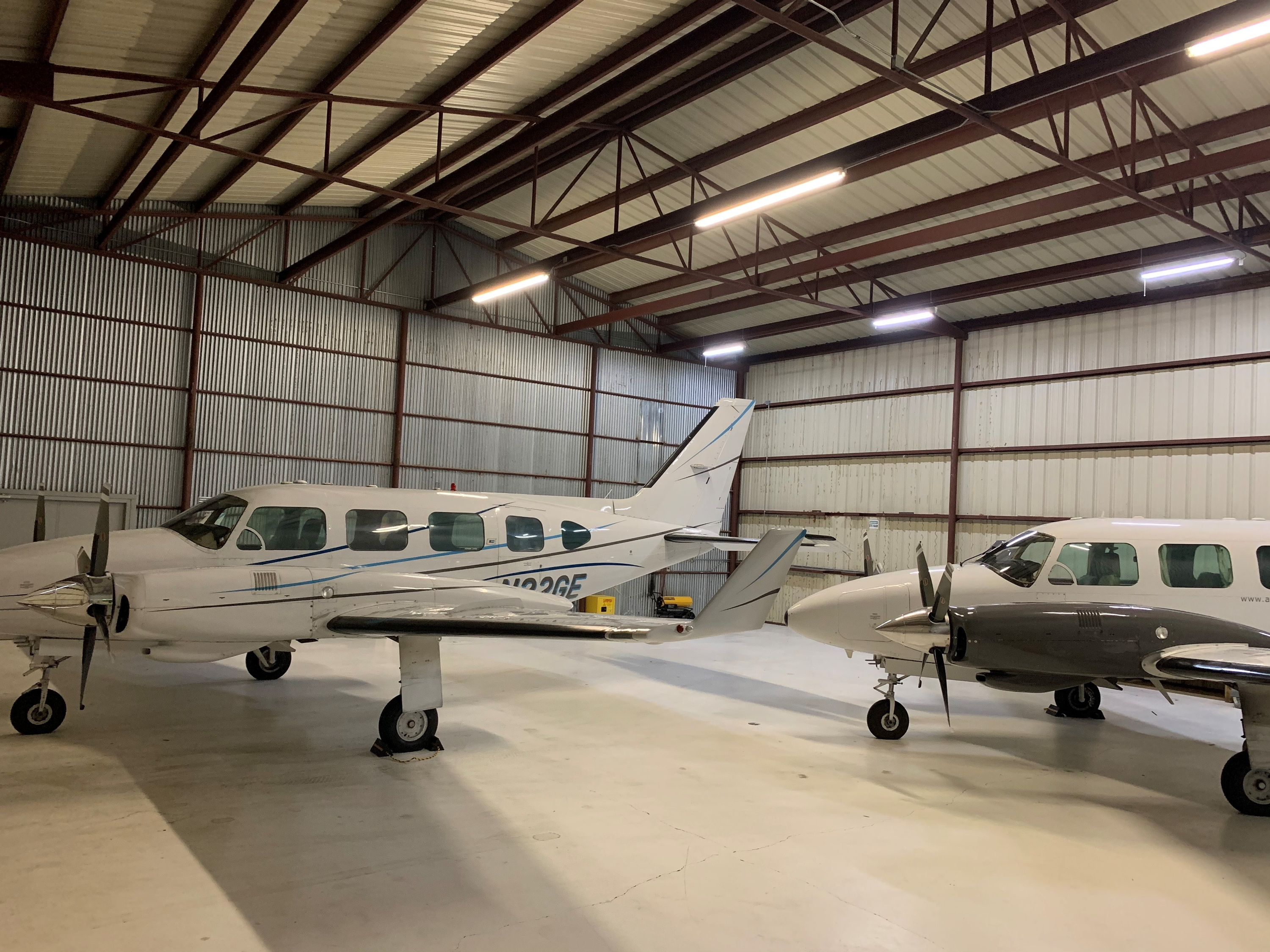 PA31-325 Piper Navajo for lease