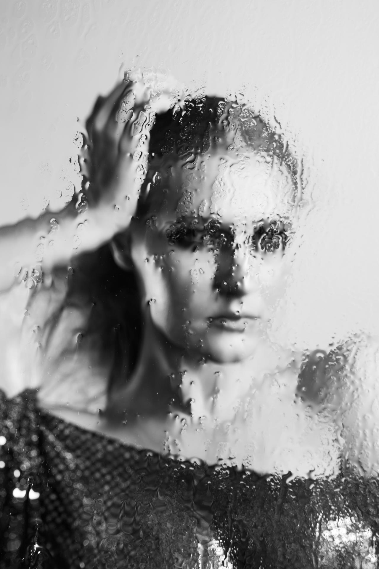Experimental black-and-white portrait of Nadija Petrova (internationally published model, artist, perfomer) shot in Fotografie Berlin e.V. studio (Berlin, Neukölln)