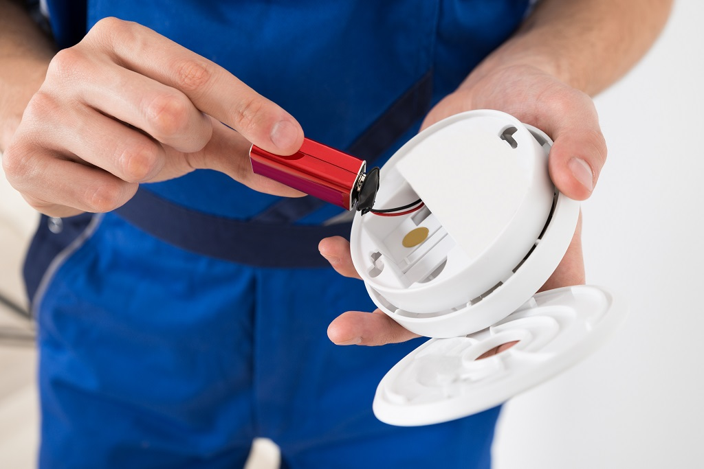 How to Сhange Smoke Alarm Batteries: Step-By-Step Guide