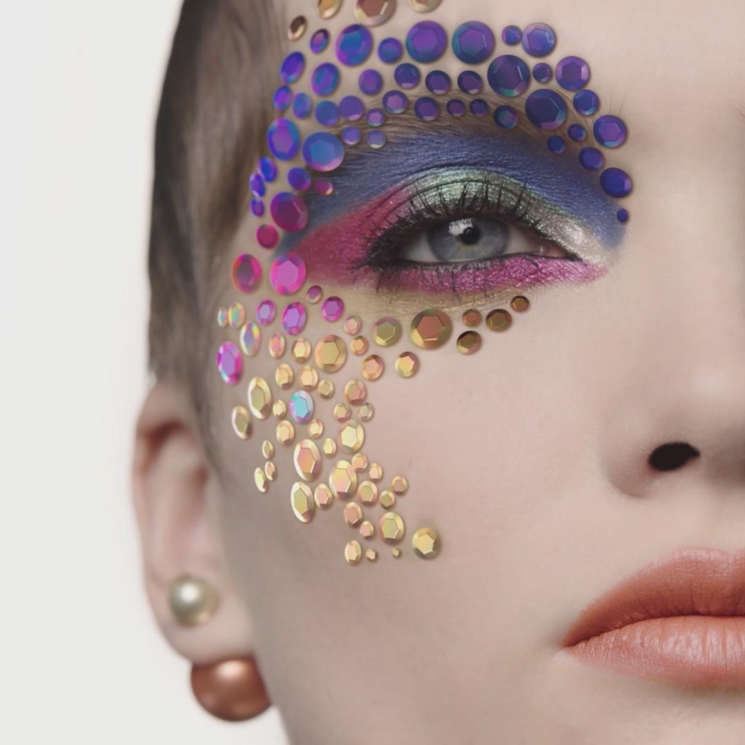 Dior AR Makeup Holiday Look 2020 - Peter Philips x Inès Alpha