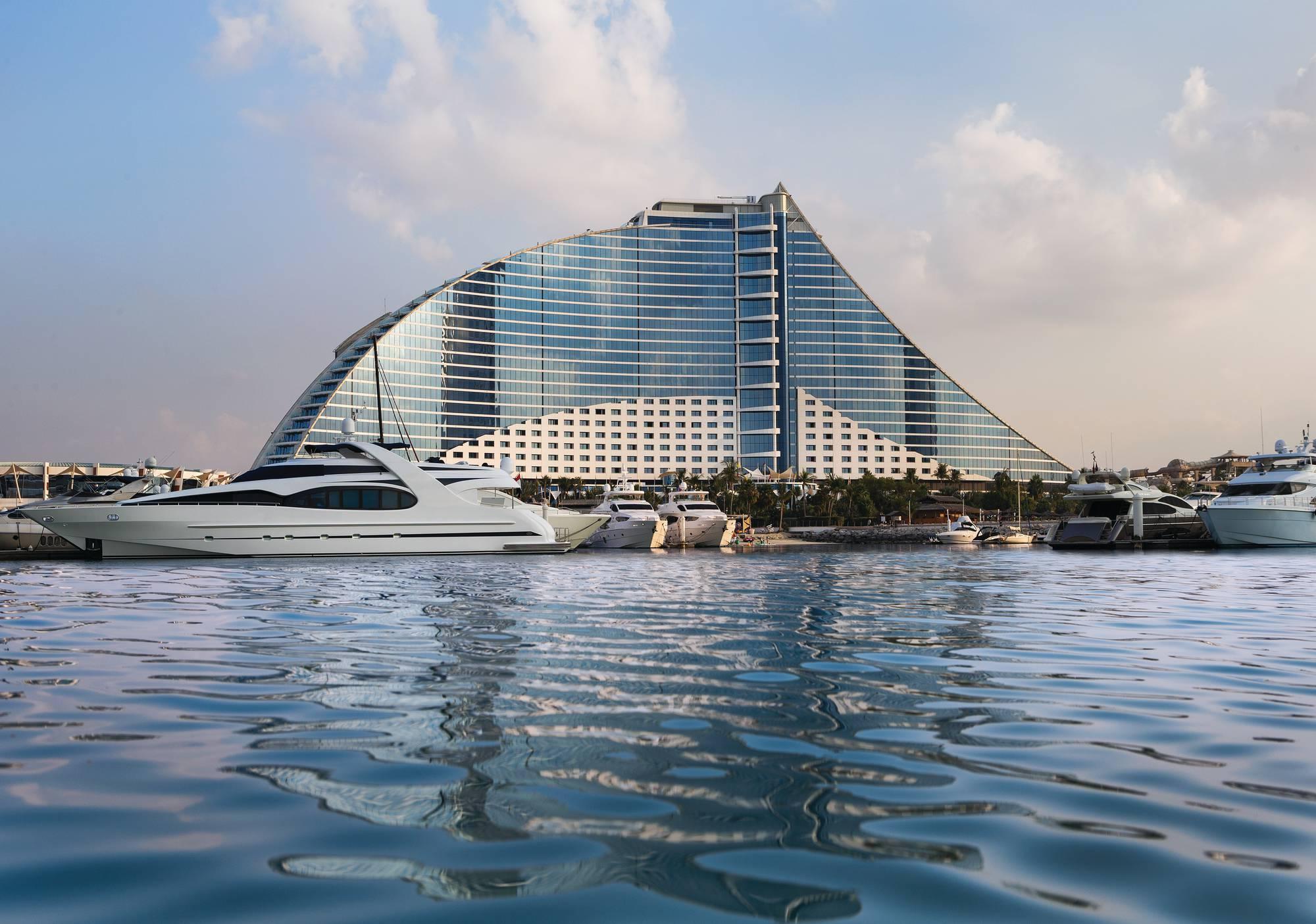 Jumeirah Beach Hotel, Dubaj