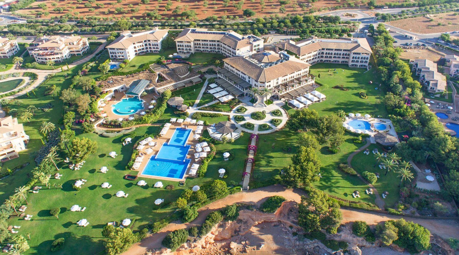 St. Regis Mardavall Resort, Majorka
