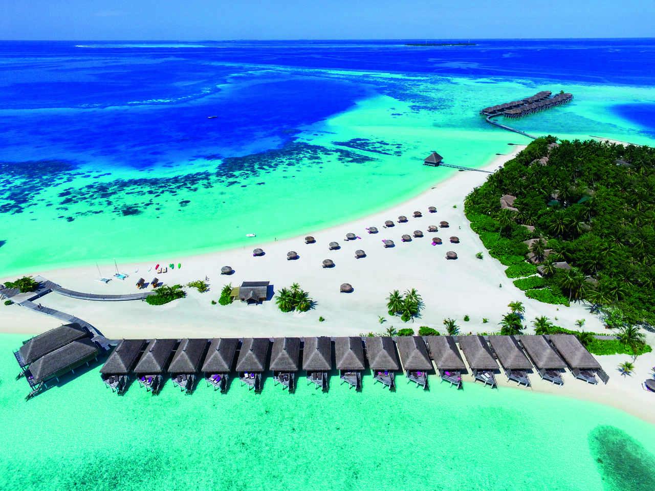 Constance Moofushi, Malediwy