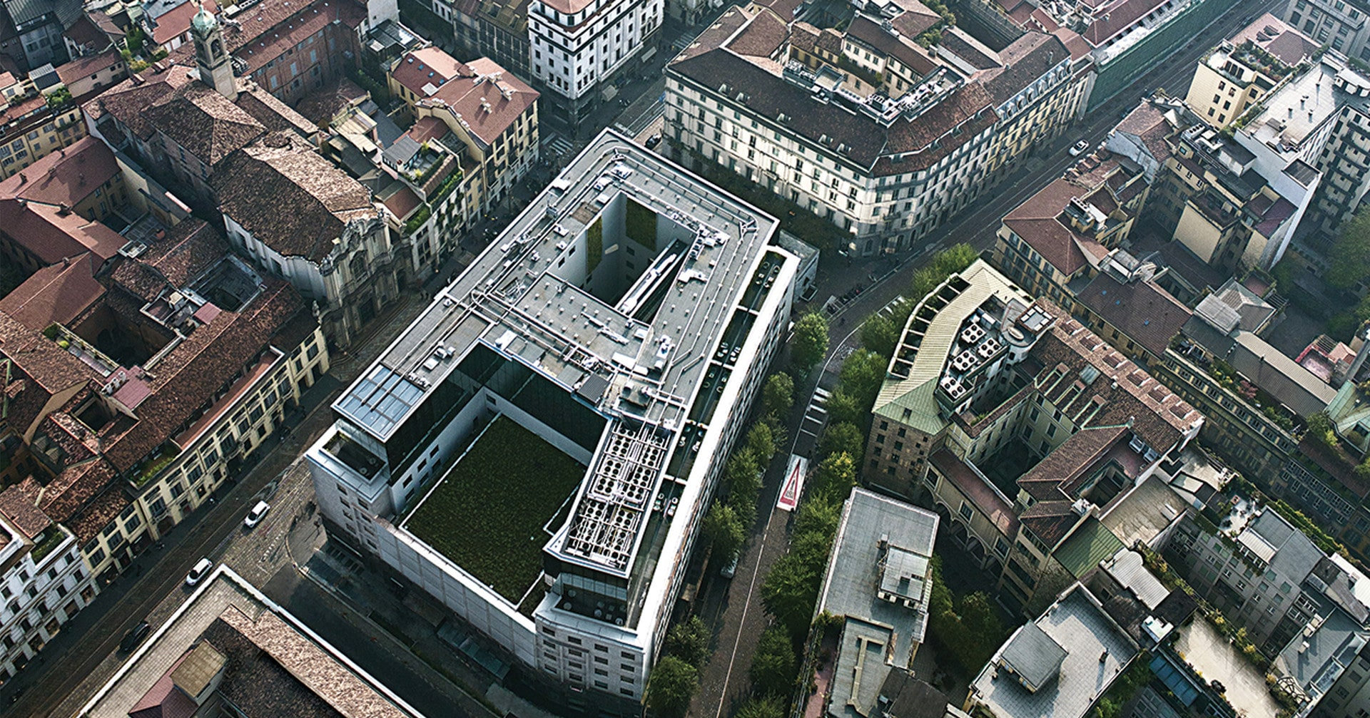 Armani Hotel Milano, Mediolan