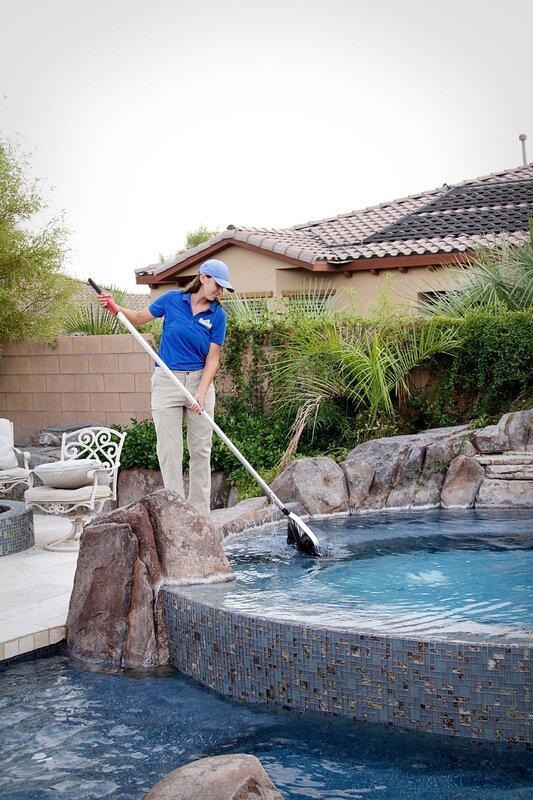 Worker skimming pool