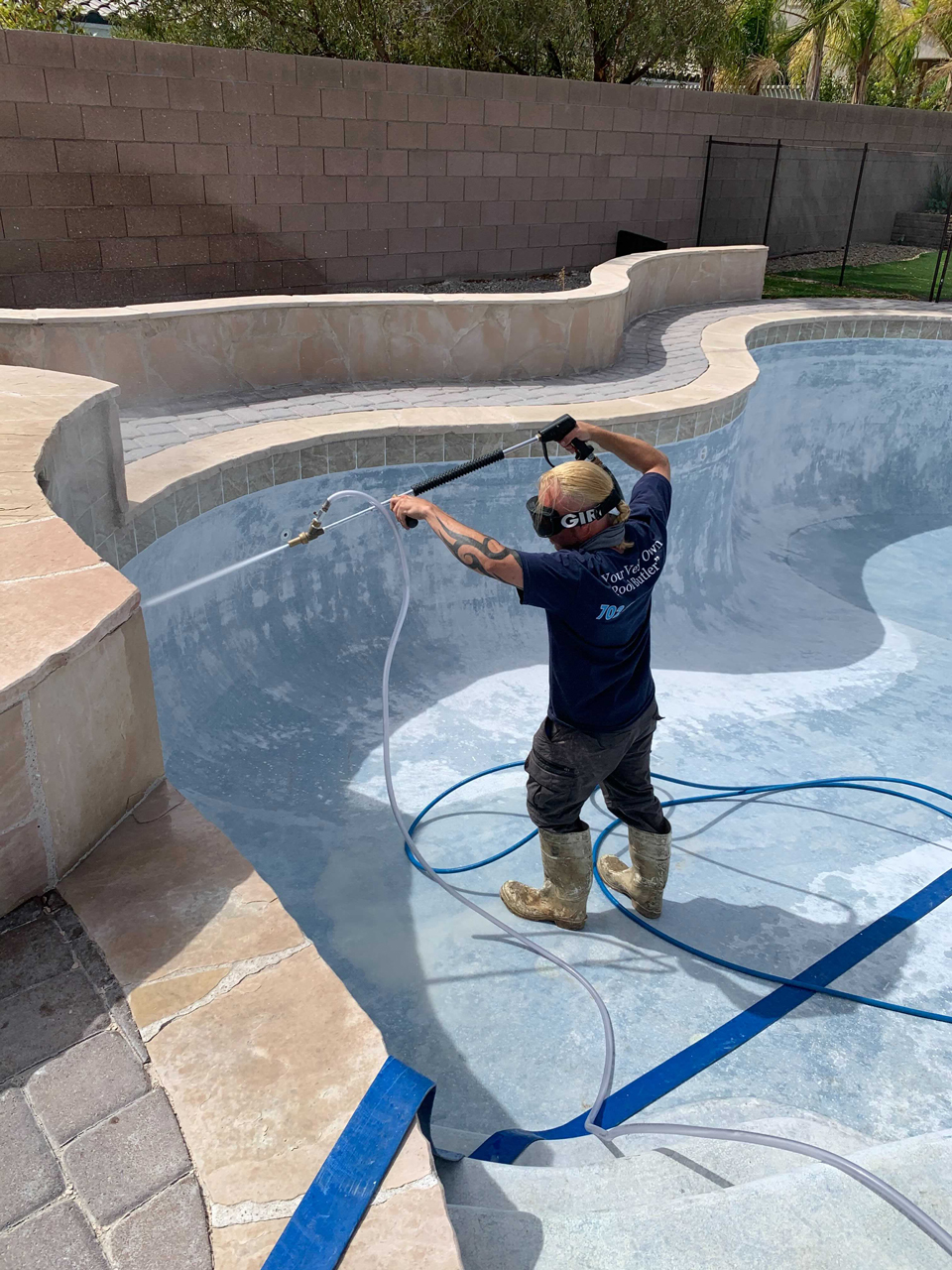 Tile cleaning inside pool