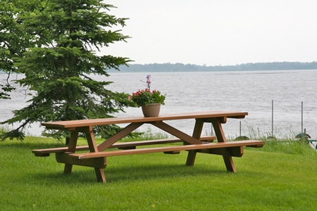 Enjoy a lakeside picnic lunch right here at the B&B!