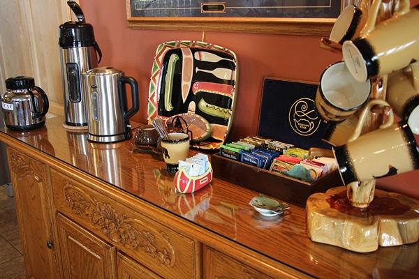The coffee and tea bar at Leech Lake Resort B&B