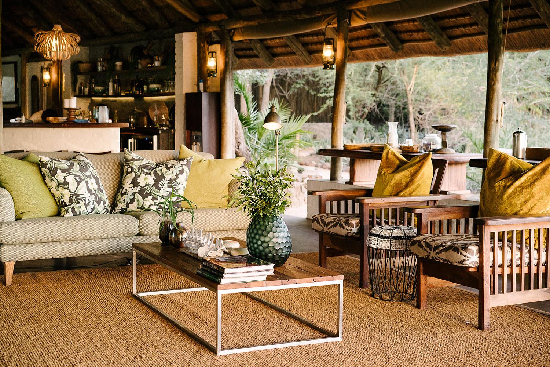 Tanda Tula Safari Camp main lounge