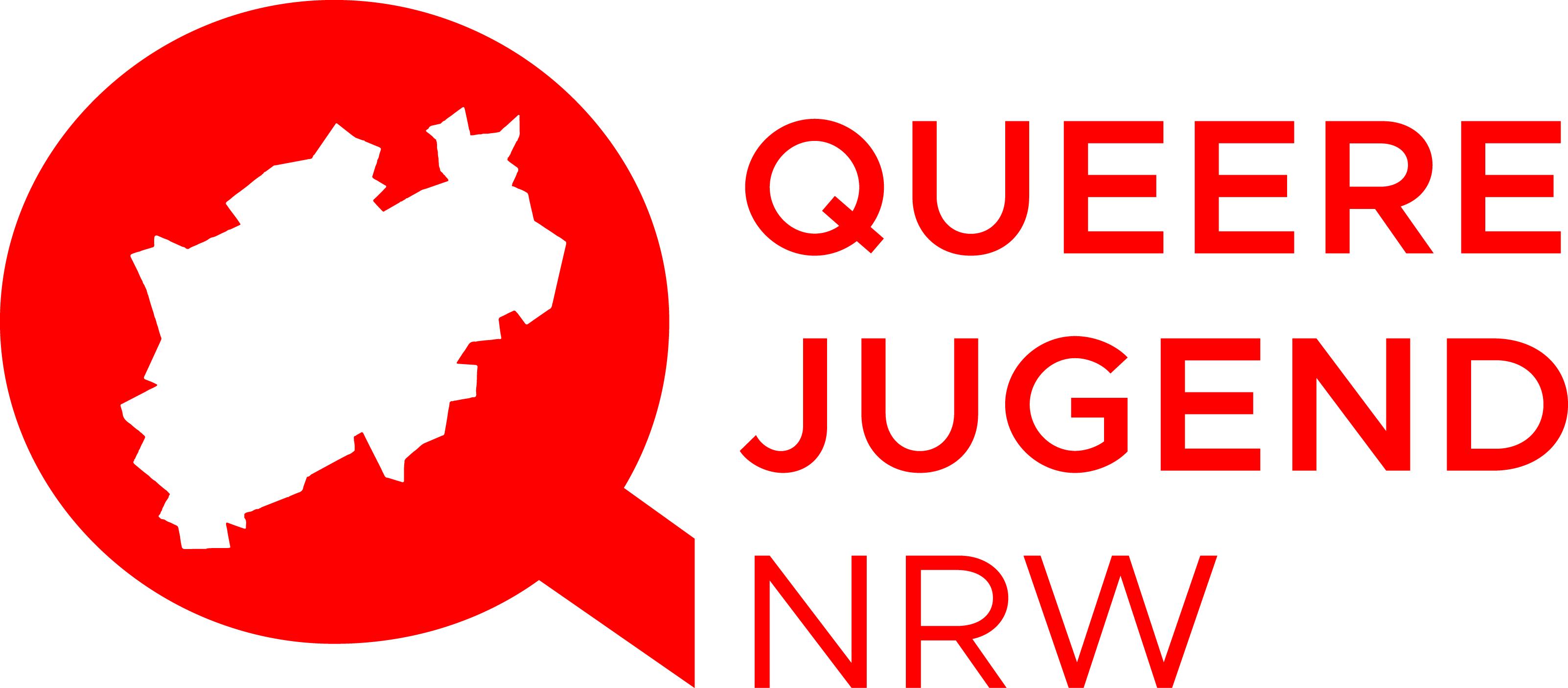 """Das Bild zeigt das Logo der Queeren Jugend NRW es besteht aus einem Roten """"Q"""" die mitte ist in Form von NRW ausgestanzt. Rechts neben dem """"Q"""" steht aufgeteilt auf 3 Zeilen """"Queere Jugend NRW"""""""