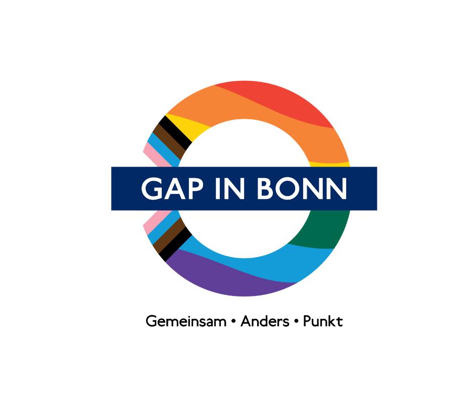Das Bild zeigt das Logo vom Gap das in den Farben der inklusiven Regenbogenfahne gestaltet ist.
