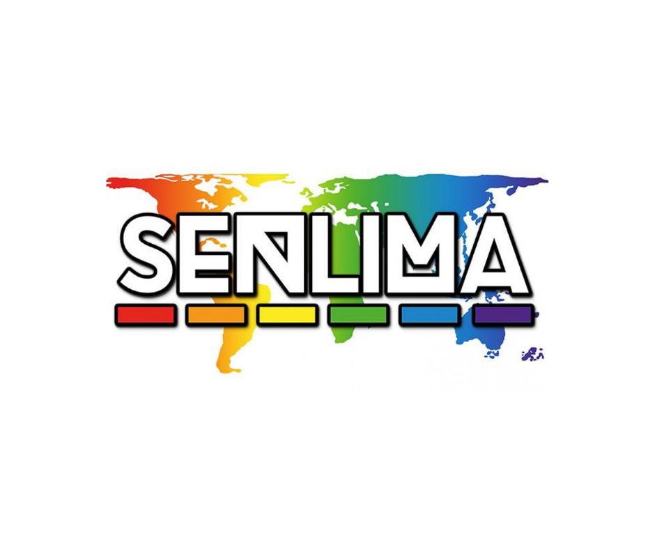 Das Bild zeigt das Logo von Senlima, es besteht aus dem Schriftzug und einer Hinterlegten Weltkarte in Regenbogenfarben