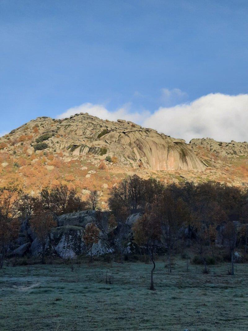 Cancho Bermejo picos de Valdesangil