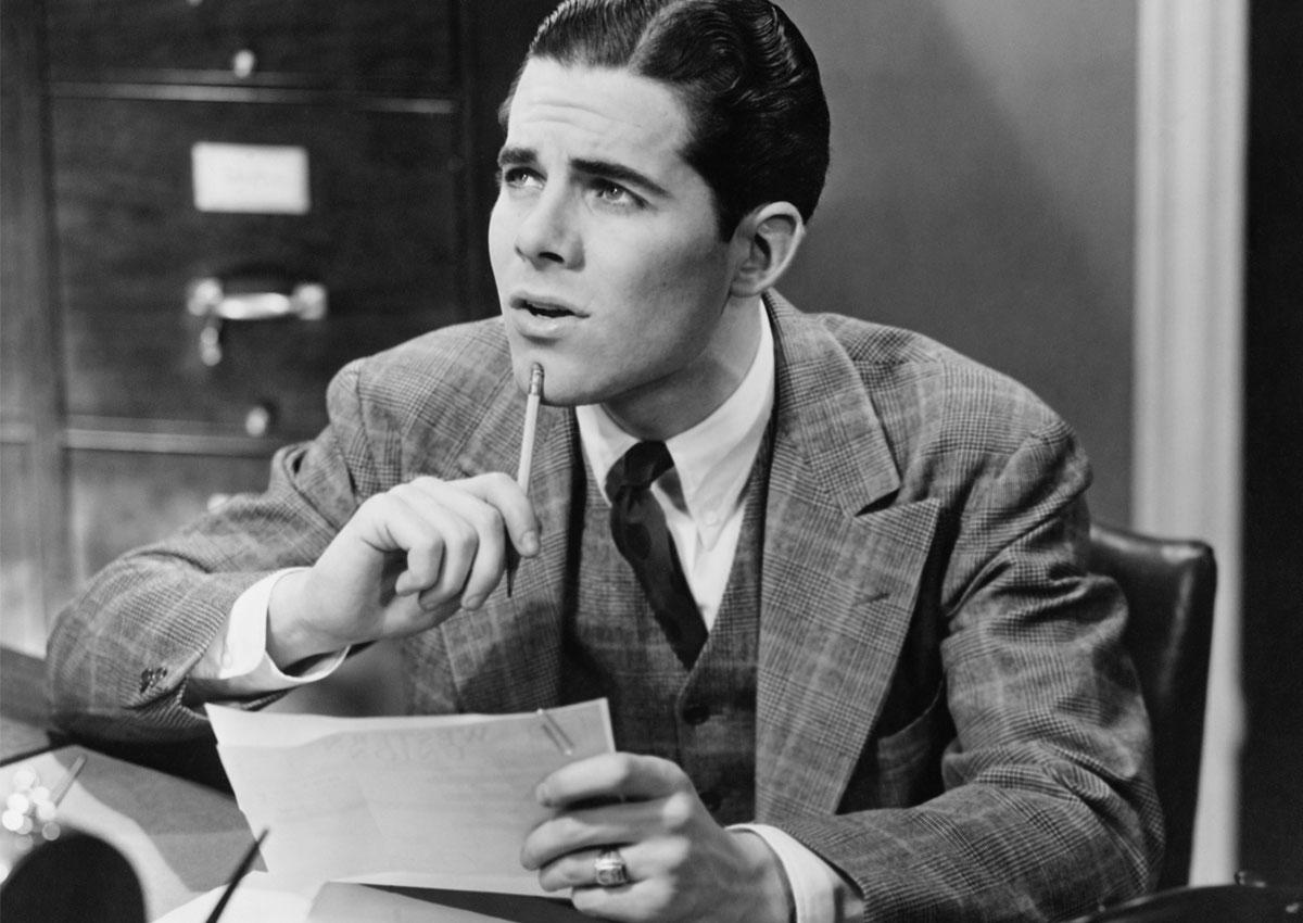 Photo vintage businessman en train de réfléchir