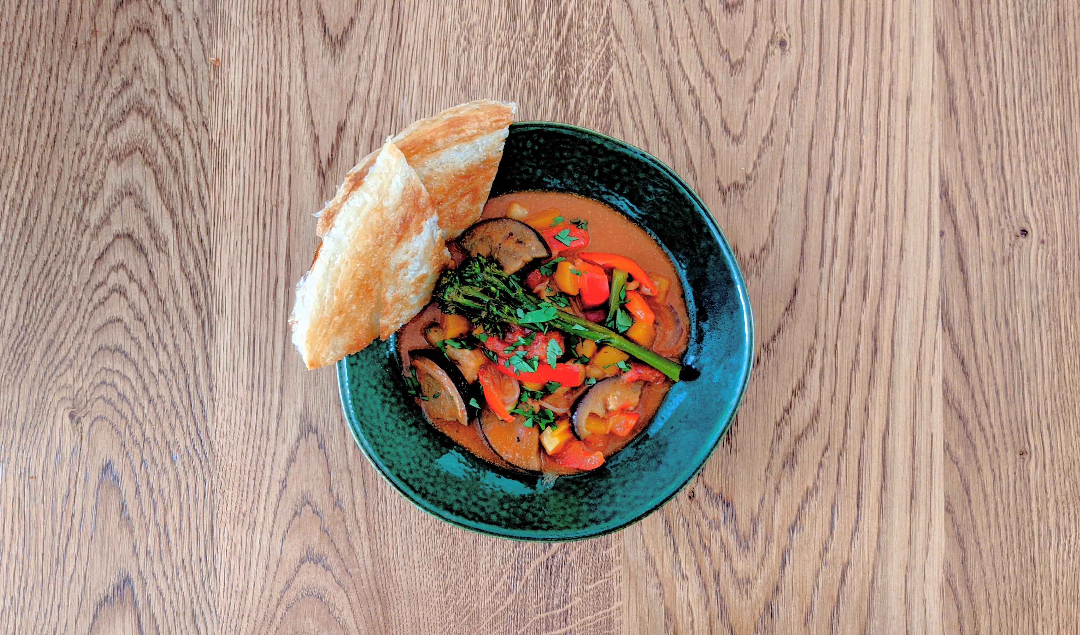 Vegan Curry met Roti Paratha
