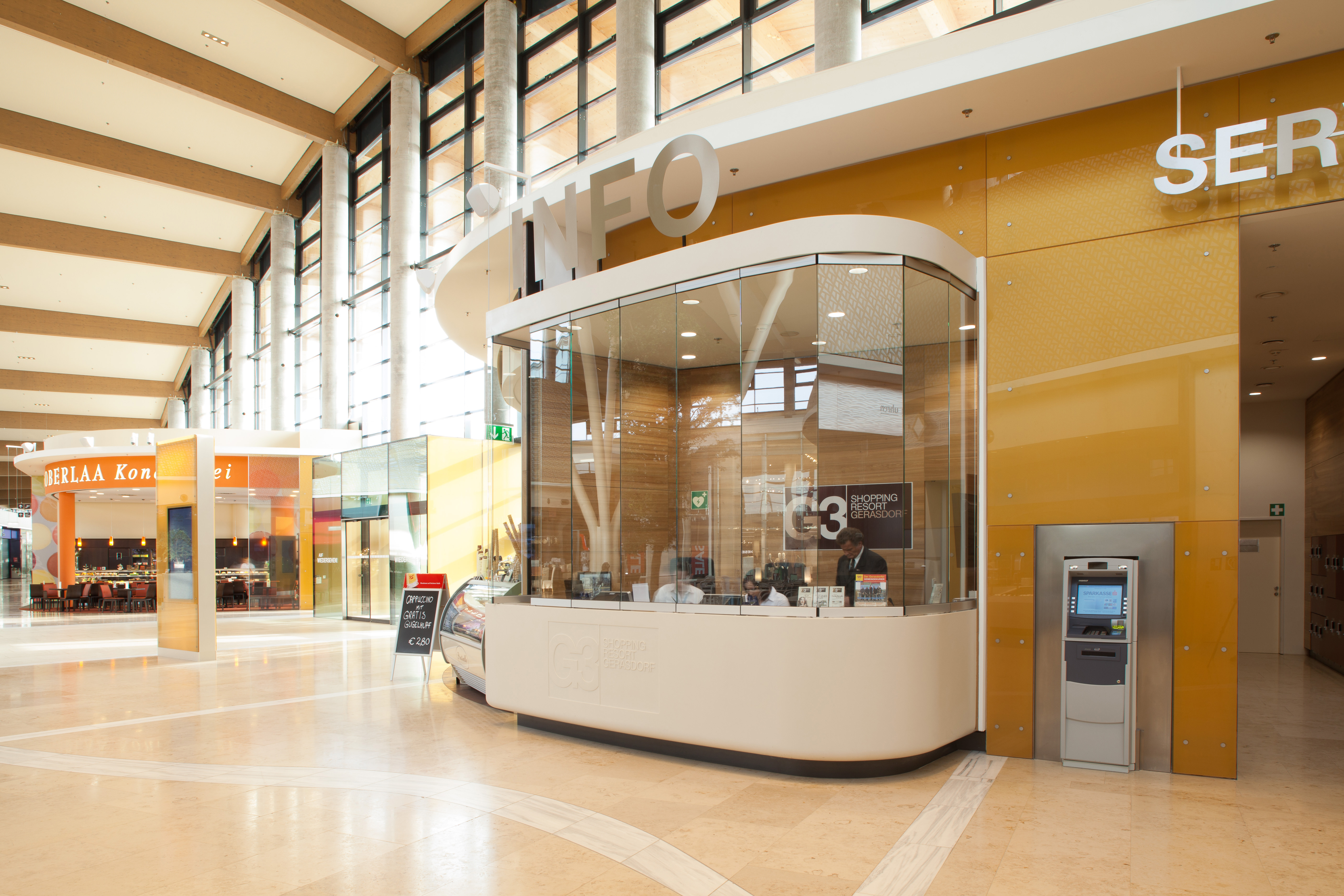 Infopoint im  G3 Shopping Resort