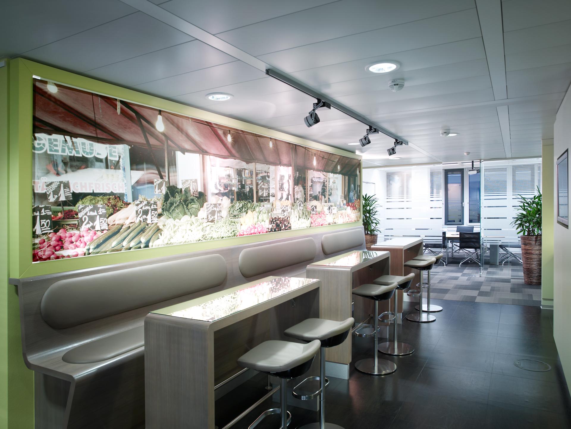 Aufenthaltsbereich im Büro Nycomed Pharma, designed von Studio Thörnblom